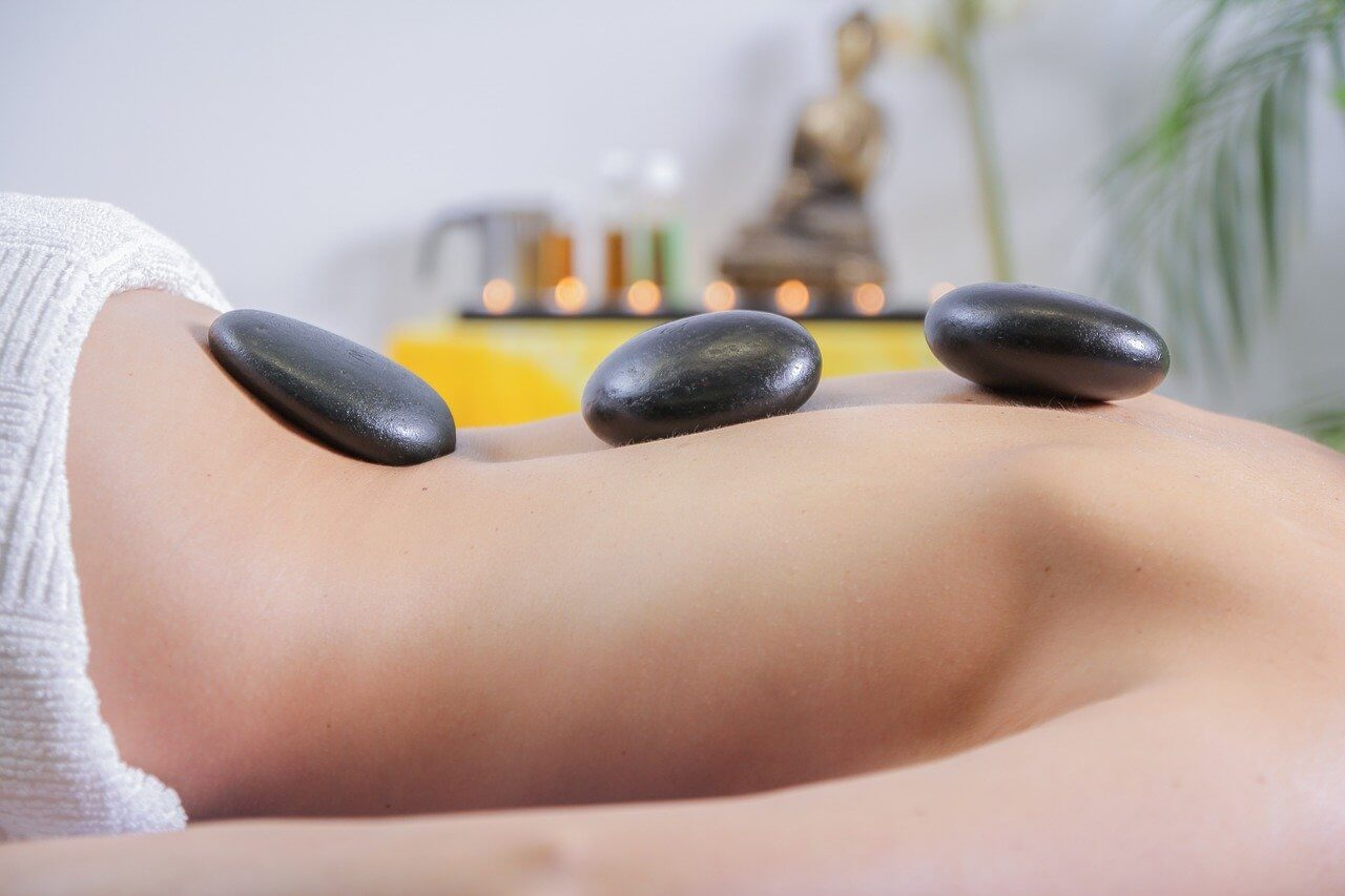 stone-massage-the-wings-of-healing